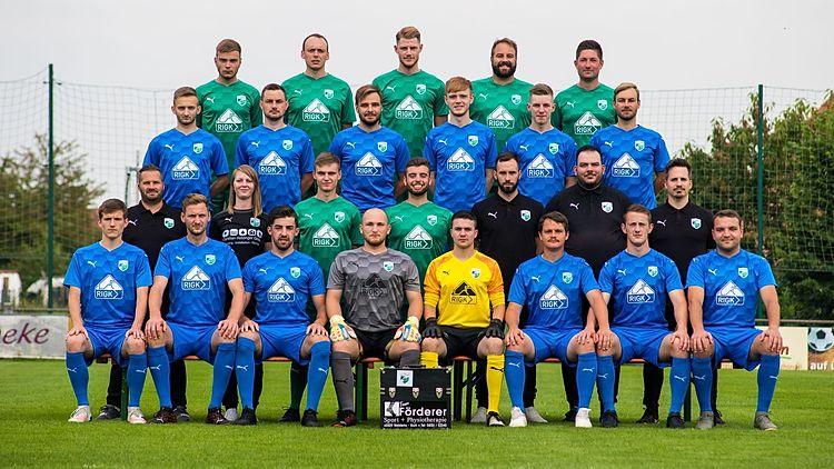 FC Waldems - 1. Mannschaft Saison 2021/22Auf dem Bild fehlen: Louis Presle, Maximilian Bölsing, Markus Bölsing (Co-Trainer)