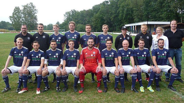VfR Niederhausen. 1. Mannschaft Saison 2018/2019. Trikotsponsor Fliesen Steinberger, Niederhausen.